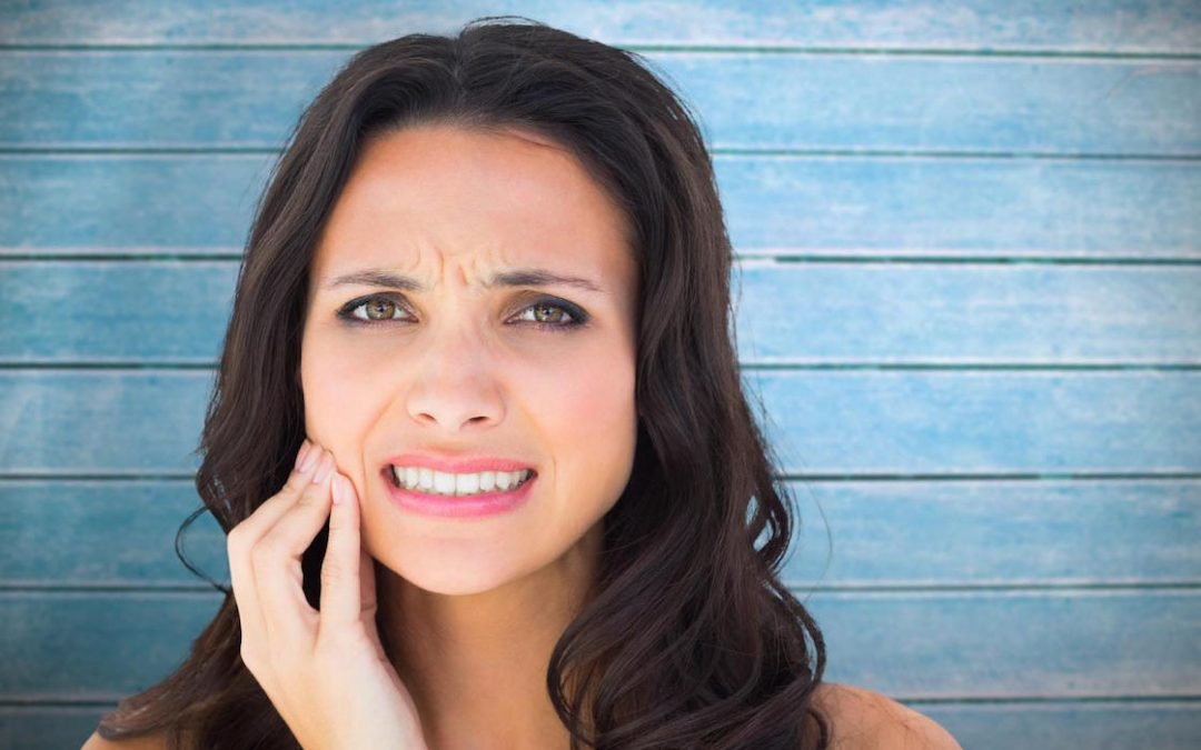 Warrnambool Dentist Tips: How to Avoid and Handle Dental Emergencies While Traveling