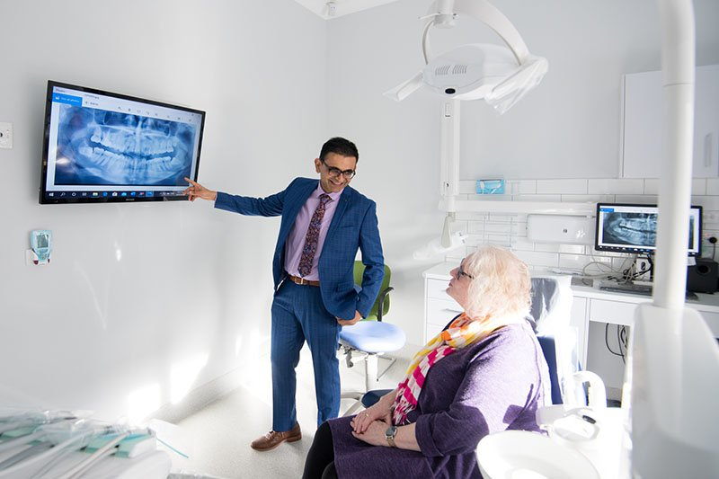 dr nishant explains x-ray result